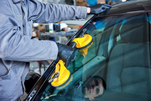 фото замена автомобильного стекла